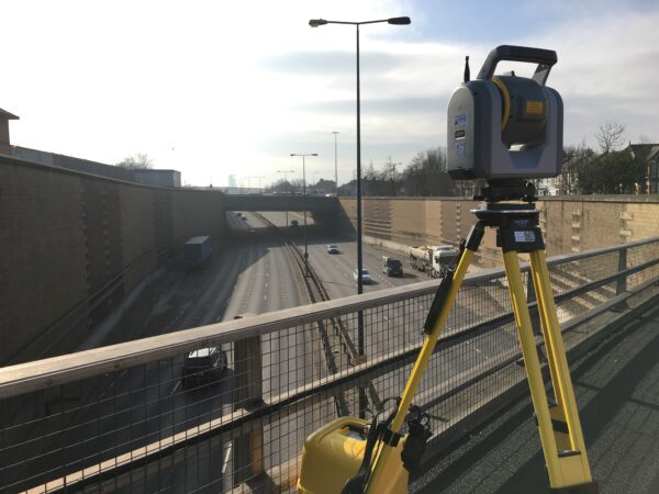 trimble sx10 doing a gantry scan of a busy motorway